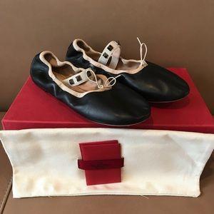 Valentino Rockstud Soft Leather Flats 37–7 US !